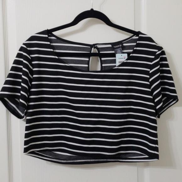 407a2417f846 NWT Torrid Fashion B W Stripe Crop Top
